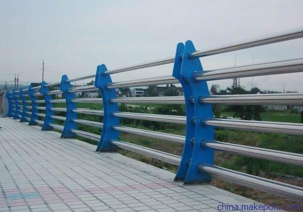 山东省烟台市市政护栏价格