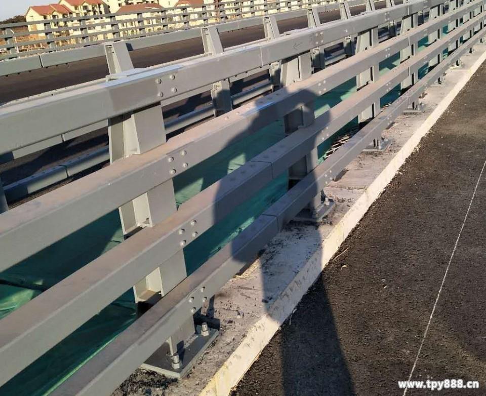 海南省三沙市市政隔离护栏价格