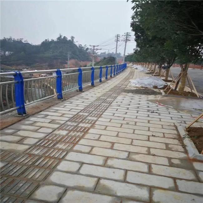 吉林道路交通隔离栏弹性模量值高