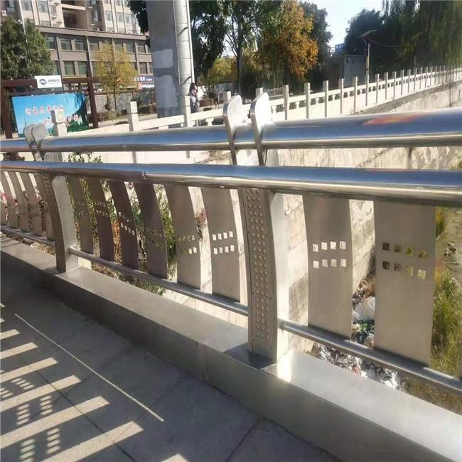 2020:孝感高速公路桥梁外侧防撞护栏*定制真诚服务