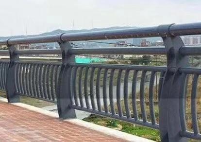 曲靖镀锌钢管护栏-经久耐用