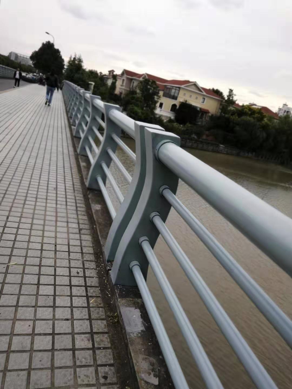 内江高速防撞护栏安装高质量