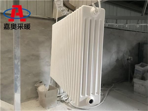 郑州钢制柱型散热器 型号qfgz5钢五柱暖气片厚度