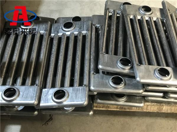 当阳市钢制柱式散热器qfgz609钢制六柱暖气片安装