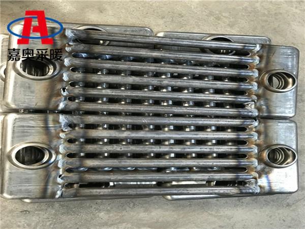 蔚县gz606钢六柱暖气片车间厂房用钢六柱暖气片
