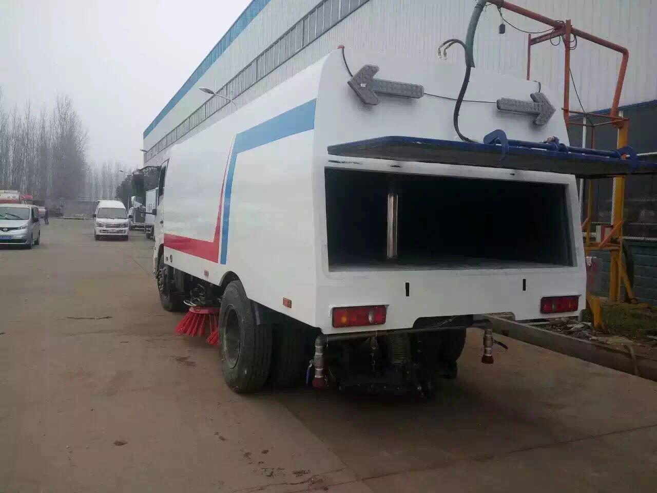 马路扫路车-厂家供应-随州