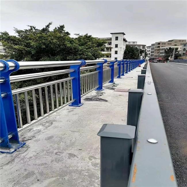 四川不锈钢复合管楼梯栏杆&及住宅区的隔离与防护