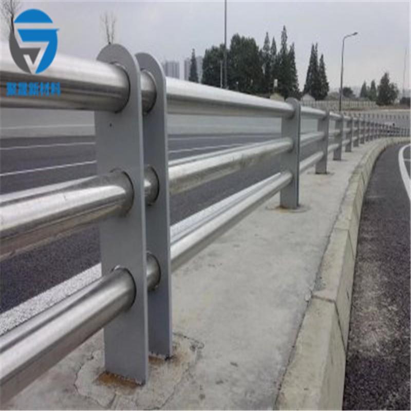 威海201不锈钢复合管天桥栏杆安装人工费报价