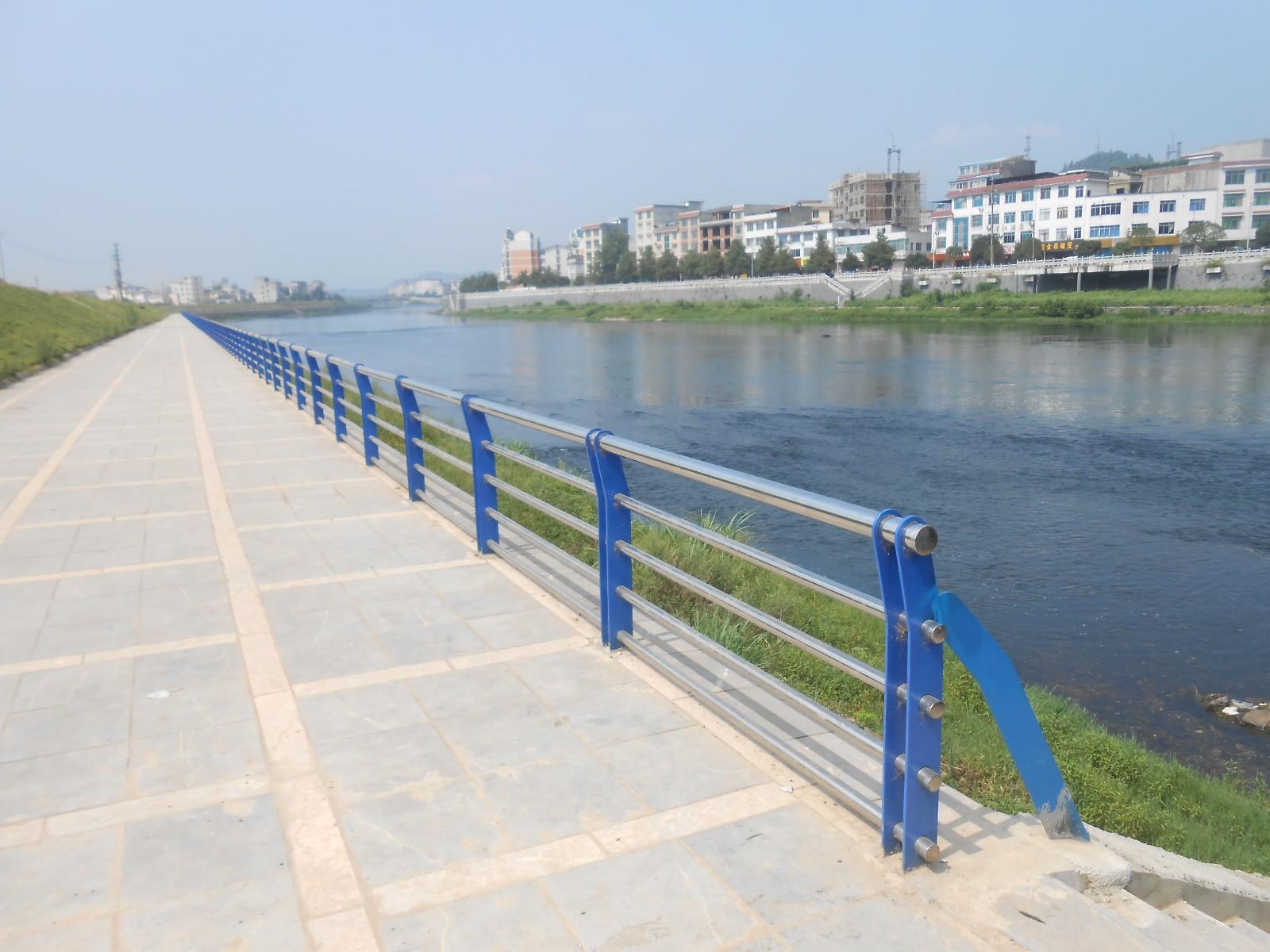 蚌埠城市道路栏杆点击查看