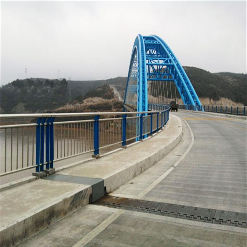 云南省昆明市东川区201不锈钢复合管围墙护栏必看