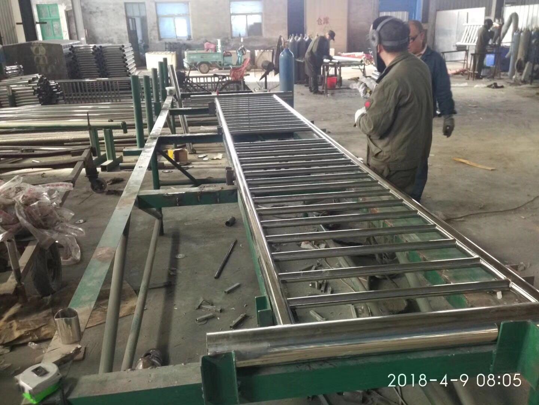 湖北省襄阳市谷城县不锈钢碳素钢复合管桥梁栏杆