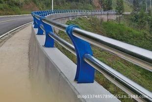 新疆尔自治区博尔塔拉州阿拉山口市碳素钢不锈钢复合管栏杆
