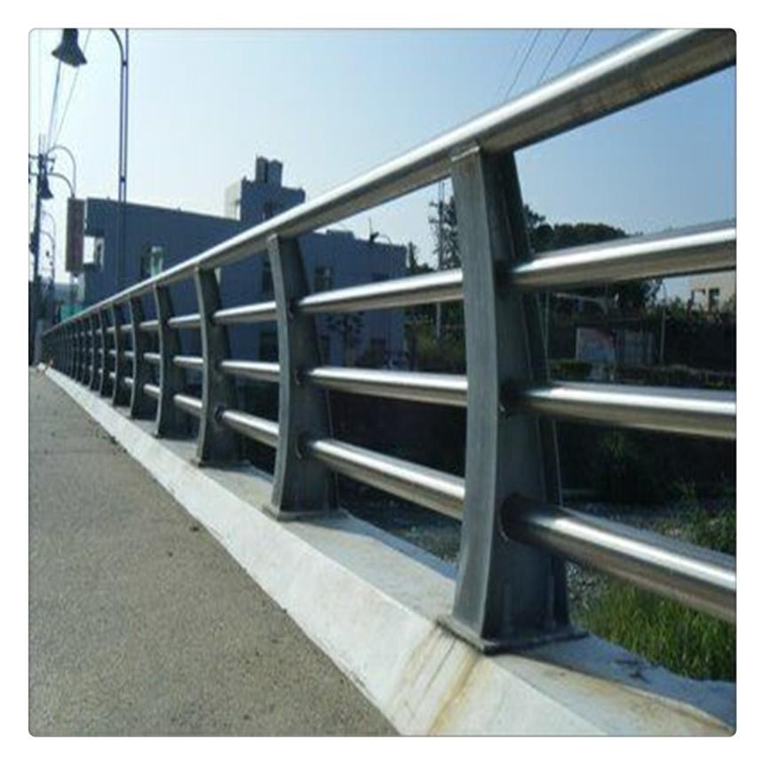 武汉人行道护栏组图