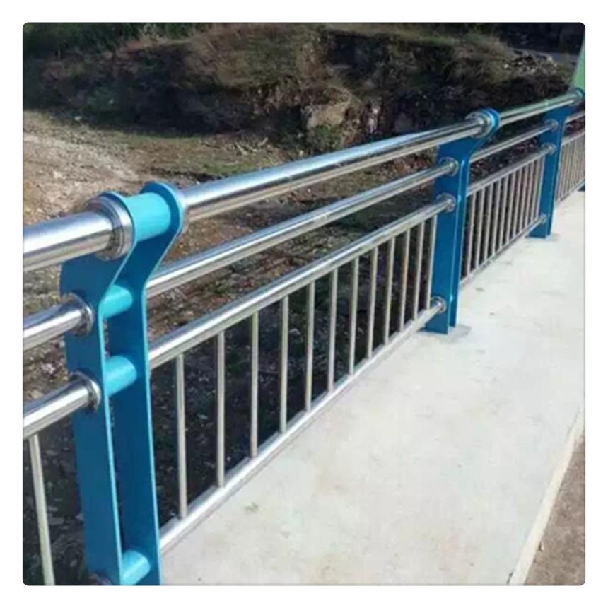 甘肃省金昌市金川区201不锈钢复合管公路护栏口碑推荐
