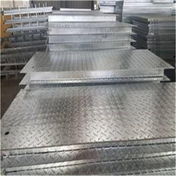 铜梁1米宽镀锌压花板使用寿命长