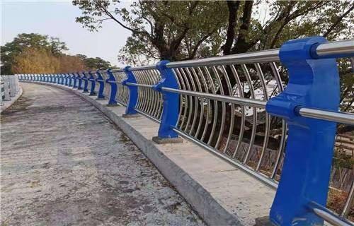 张家界201不锈钢碳素钢复合管桥梁栏杆表示产品