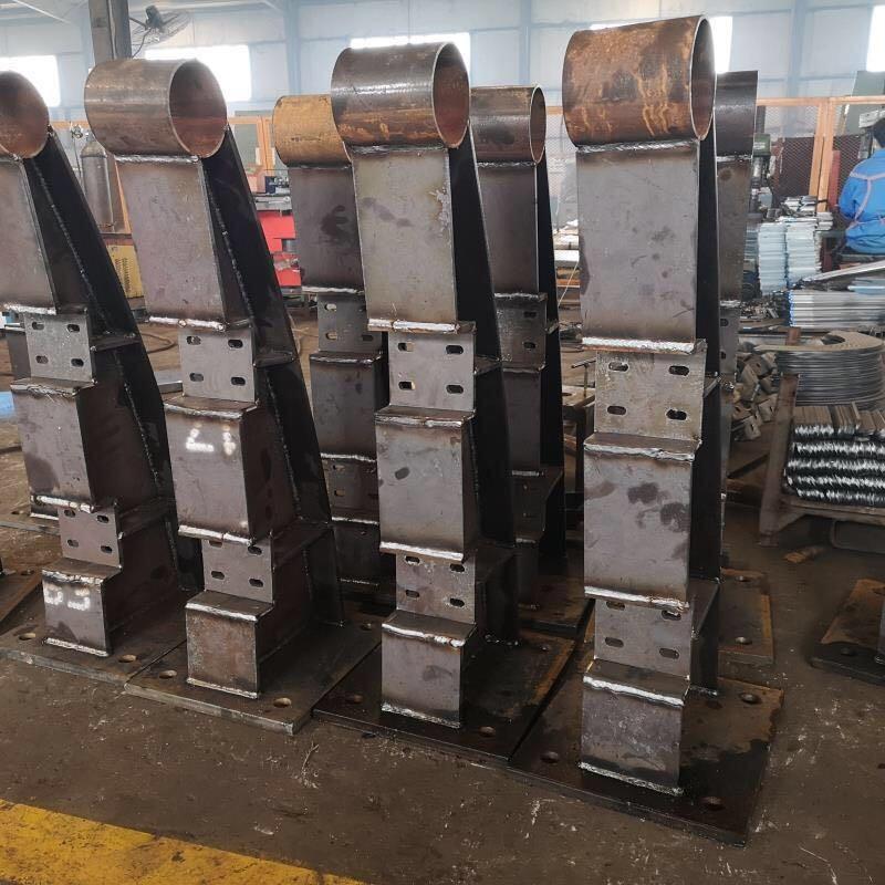 天津不锈钢复合管防撞栏杆执行标准