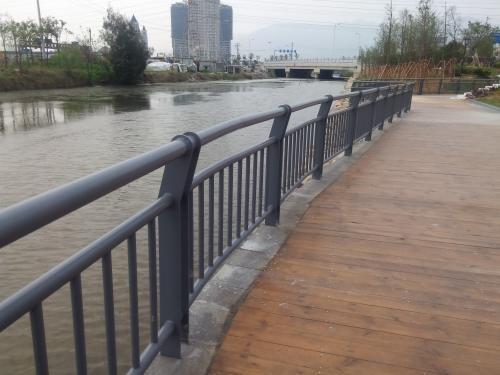 不锈钢碳素钢复合管护栏_诚信服务