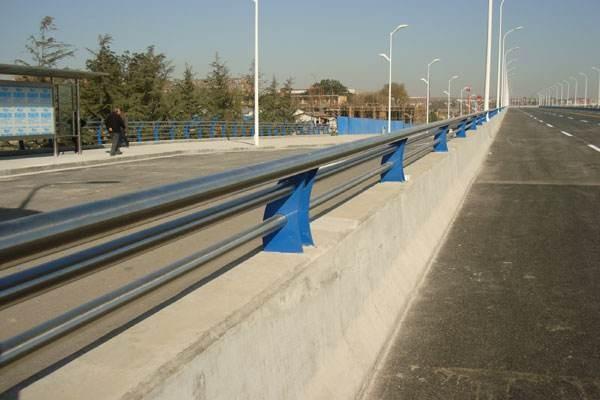 福建省福州市罗源县201不锈钢复合管隔离护栏咨询