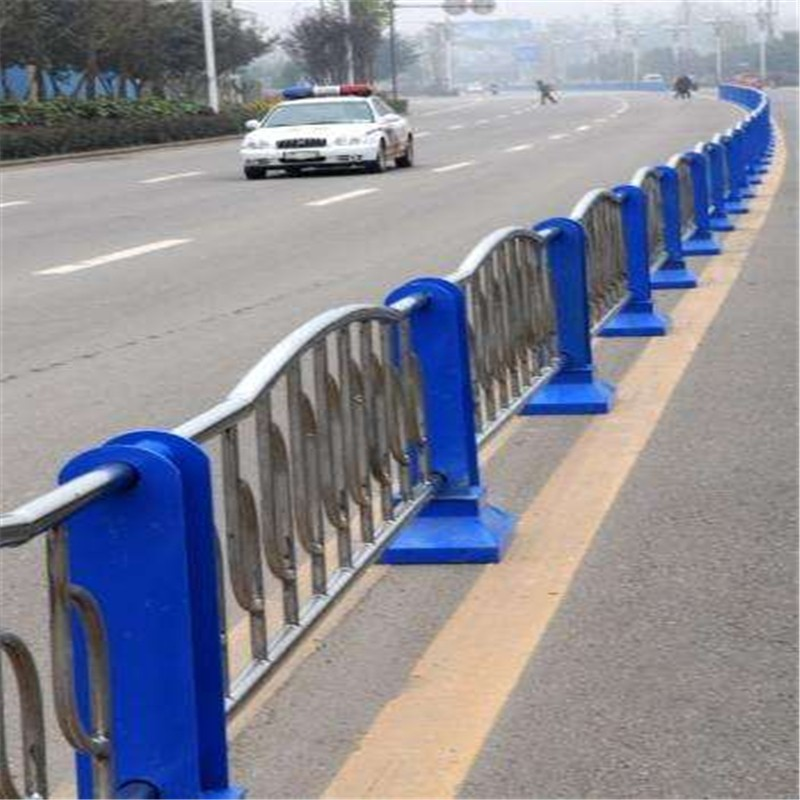桥上不锈钢碳素钢复合管护栏图纸定做铸造辉煌