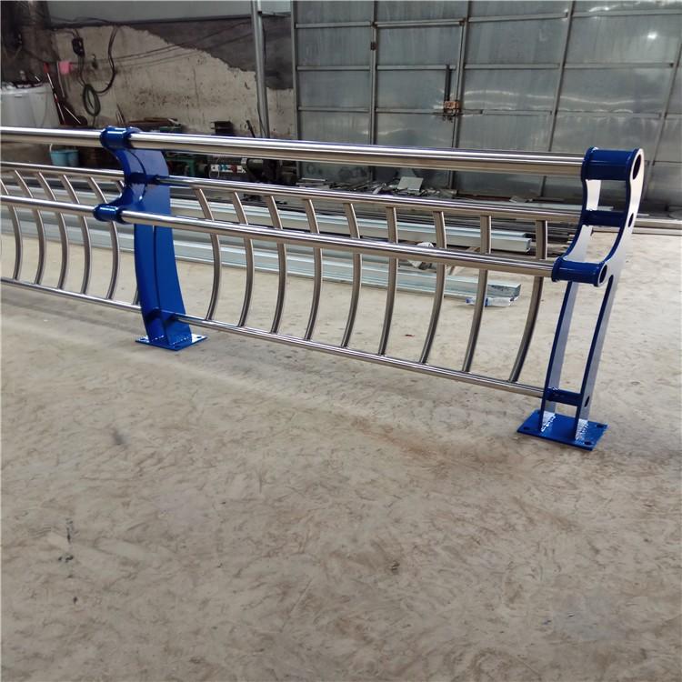 不锈钢碳素复合管厂家创新服务